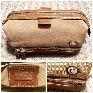 Men's Coach toiletry bag paid $125 great condition